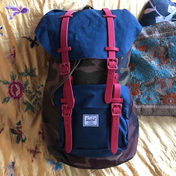 67b1db551 Herschel Supply Company Handbags - Herschel Backpack - Camo